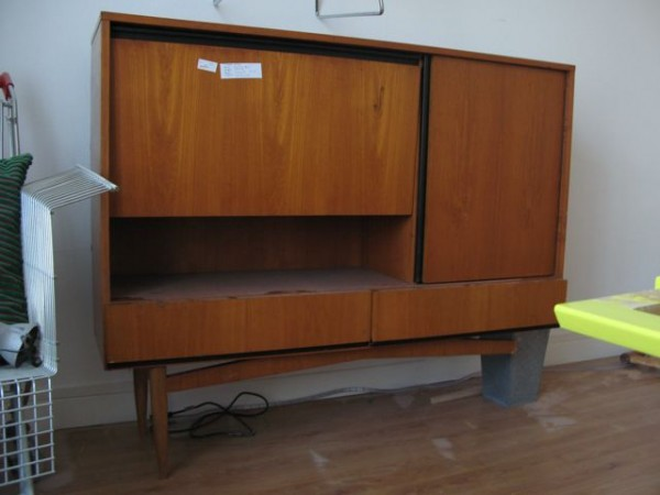 excellent meuble tv a vendre casablanca vendre votre meuble tv chne massif achat vente meuble tv. Black Bedroom Furniture Sets. Home Design Ideas