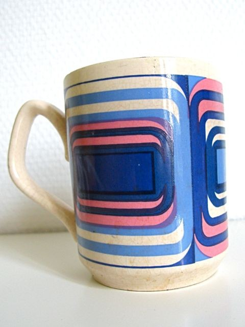 An english Op'Art mug